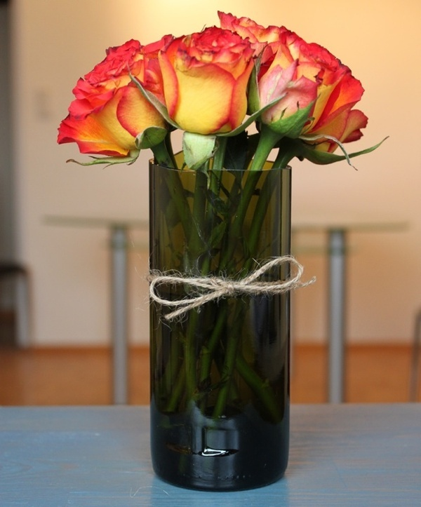 40 best images about cutting glass bottles on pinterest for Wine bottle vase ideas