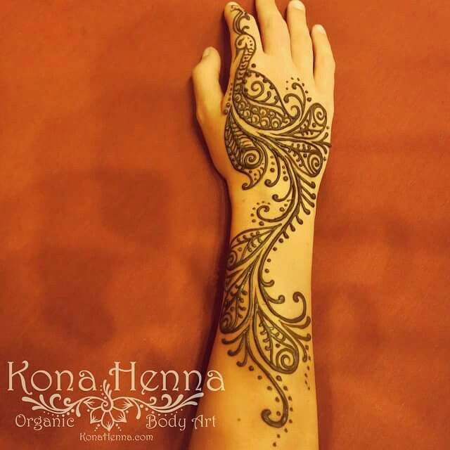 29 Best Wedding Body Paint Henna Images On Pinterest: Best 25+ Henna Peacock Ideas On Pinterest