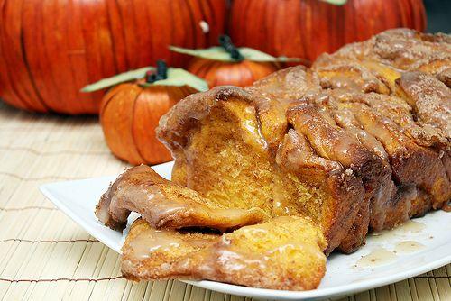 Pull apart cinnamon sugar pumkin bread