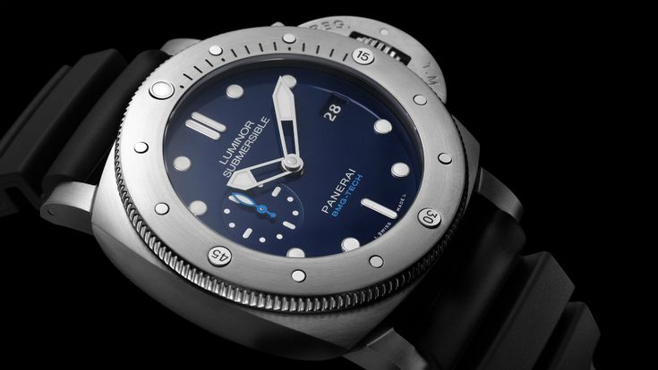 The new Panerai Luminor Submersible 1950 BMG-TECH 3 Days Automatic PAM692 watch for SIHH 2017 with images, price, specs, & expert analysis.