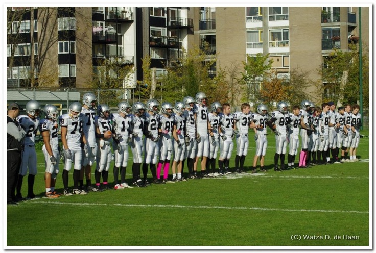 Line up on the side line before the playoff show off against The Hague Raiders '99.