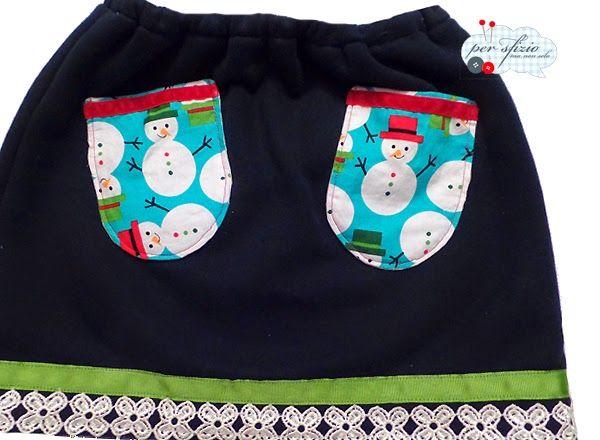 Cucito creativo - pensando al Natale ecco una gonna di felpa che richiama Frozen!