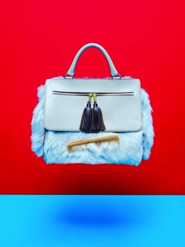 Bolsos de pelo: fotos de los modelos - Bolso azul cielo pelo Fratelli Rossetti