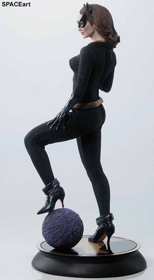 Batman: Julie Newmar als Catwoman, Statue / Premium Format Figur ... https://spaceart.de/produkte/bm040.php