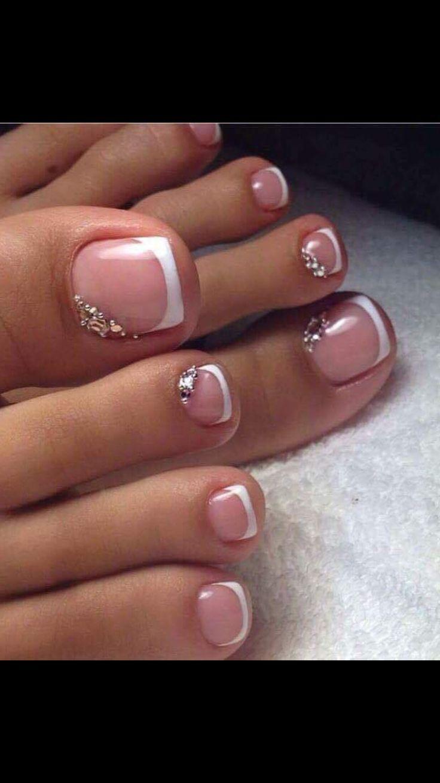 Pretty Pedicures Toe Nail Art French Tip With Rhinestones Pedicure Designs Toenails Toe Nail Designs Toenail Art Designs