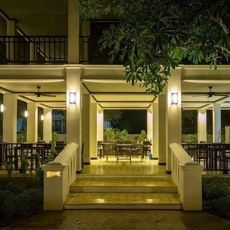 The Tong Guy Restaurant serves both traditional Thai and international cuisine  #chiangmairestaurant #coloniallanna #lanna #lannathai #lannastyle #northernthailand #northernthai #pratrajapruek #thailand_ig #hotelchiangmai #hotelthailand #thailandhotel #thailandhotel2017 #thailandhotels #thailandresort #rajapruek #floralgarden #chiangmainightsafari