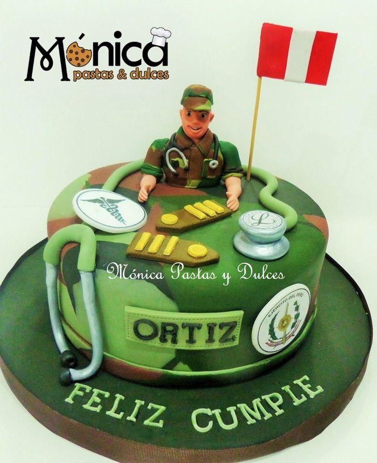 TORTA MEDICO MILITAR DEL EJERCITO con detalles unicos en ella elaborado por MONICA PASTAS Y DULCES