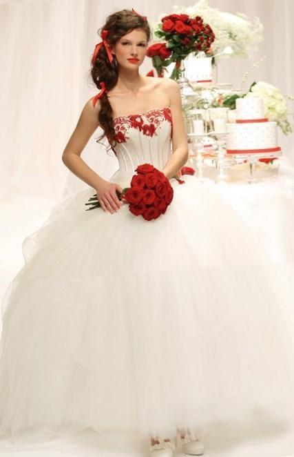 Свадебные платья бело красные фото - http://1svadebnoeplate.ru/svadebnye-platja-belo-krasnye-foto-2767/ #свадьба #платье #свадебноеплатье #торжество #невеста