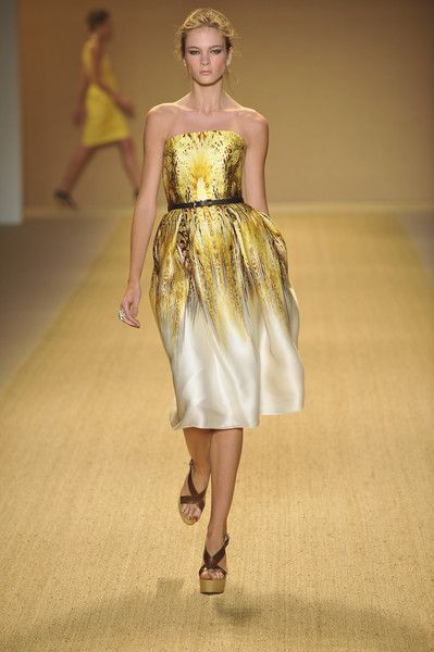Monique Lhuillier at New York Fashion Week Spring 2009 - Runway Photos