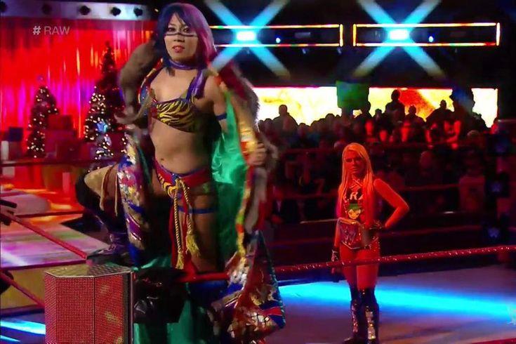 Asuka announces Royal Rumble entry, immediately kicks Alexa Bliss: Just like tha...
