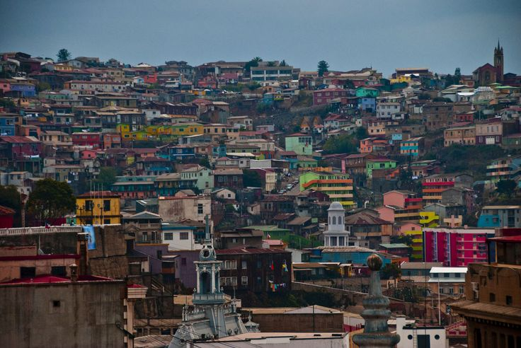 Valparaiso, Chile http://racheltobias.files.wordpress.com/2010/06/20100522_valparaiso_chile_026_r1.jpg