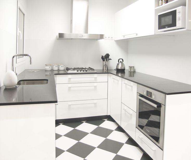 Decoracion moderno cocina encimeras electrodomesticos - Estanterias para cocinas ...