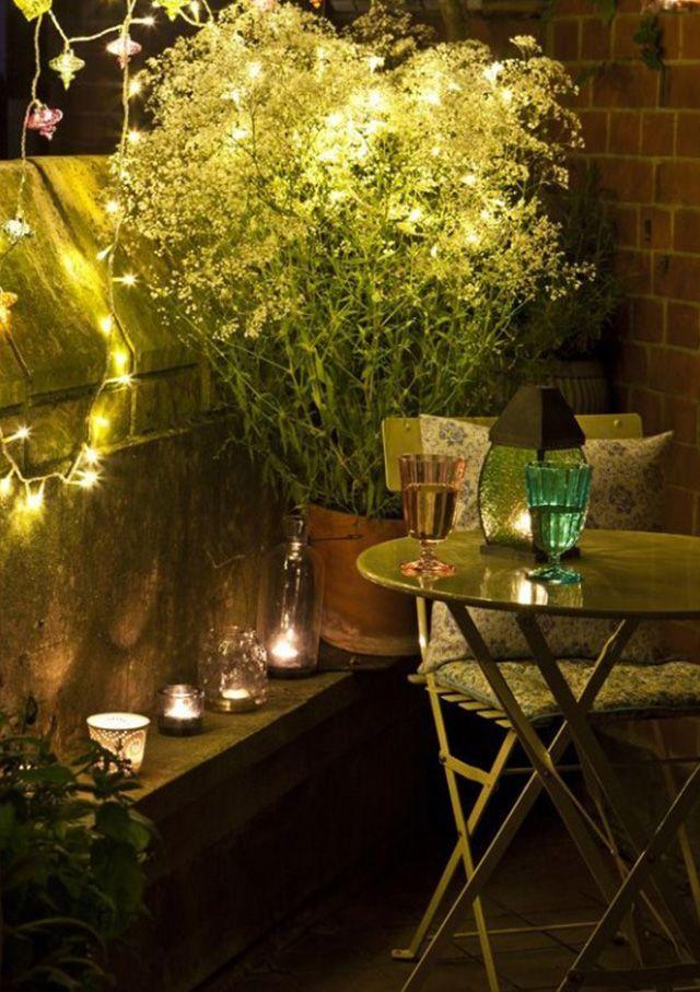 8-stylowych-pomyslow-jak-urzadzic-balkon-Romantyczne-oswietlenie