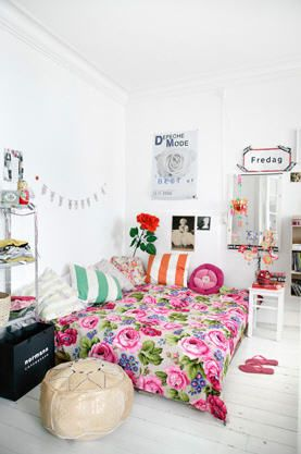 Tablica kredowaDecor, Apartments Ideas, Beds, Dreams, Girls Bedrooms, Interiors, Girls Room, Bohemian Style, White Wall