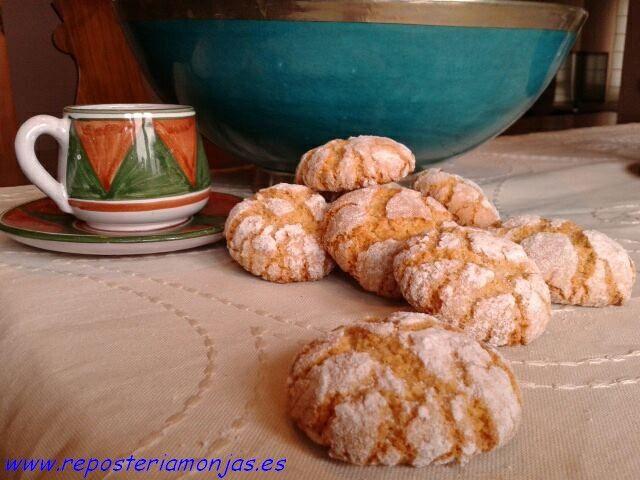 Pastas de almendra y azahar