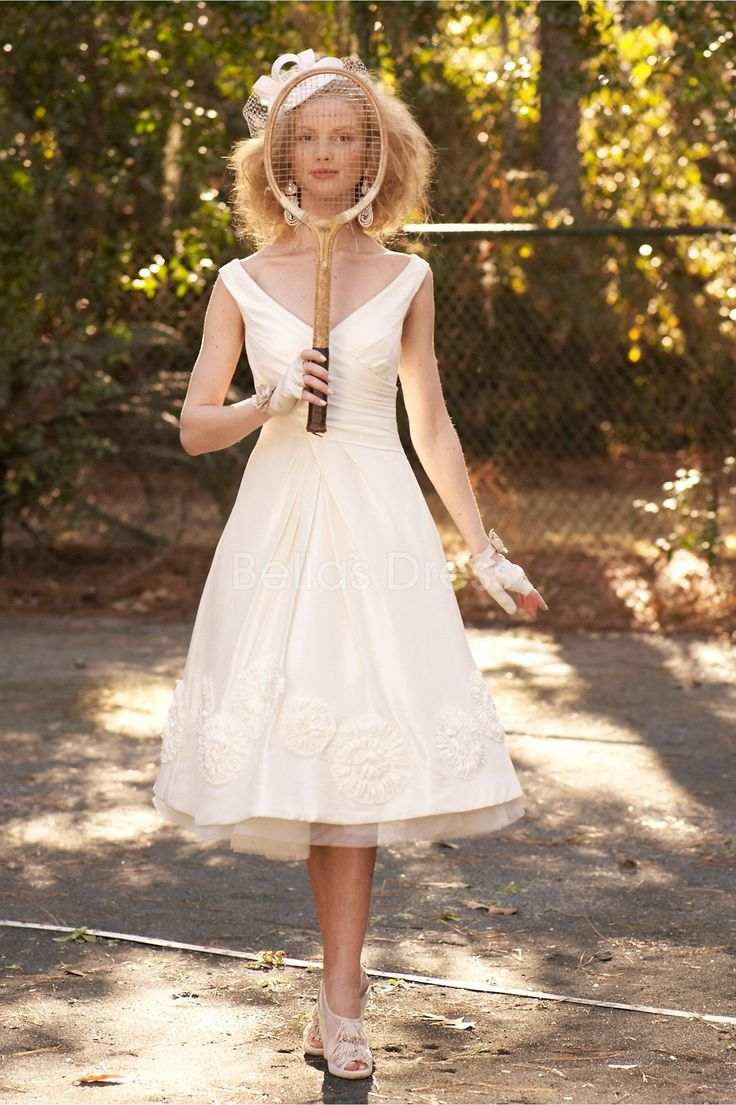 knee-length-v-neck-a-line-with-appliques-lovely-wedding-dress