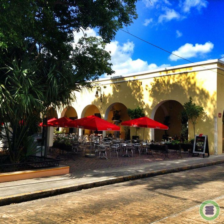 Santa Lucía Mérida, Yucatán, México  A delightfully quaint colonial plaza that includes a church, park, eateries & shops.  #zonaMerida