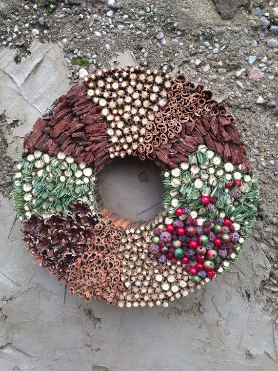 Christmas wreath - Holiday wreath - Advent wreath - Winter wreath  #Christmas #Christmas2015 #Xmas #Xmas2015 #XmasShopping