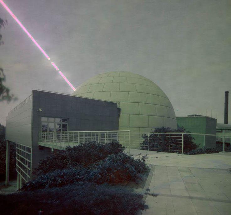 Solarigrafía del Equinoccio de otoño sobre el Planetario de Madrid. 12 horas de exposición.  Equinox solargraphy over Madrid's Planetarium. 12 hours exposure.  http://solarigrafia.com   | Flickr - Photo Sharing!