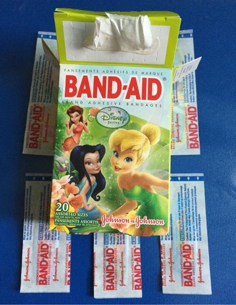 """Up for auction are band-aid brand Johnson and Johnson Disney fairies bandaids. Tinker bell designs   You will receive what is pictured in the second photo.  3 large bandaids 3/4"""" x 3"""" 3 small bandaids 5/8"""" x 2 1/4""""  Perfect to put a smile on a face after a small boo boo!!  For use on minor cuts and scrapes. For best results apply bandage to clean dry skin. Change bandage daily when wet or more often if needed   I will not lower days or gin price (if there is one) please don't ask  All items…"""