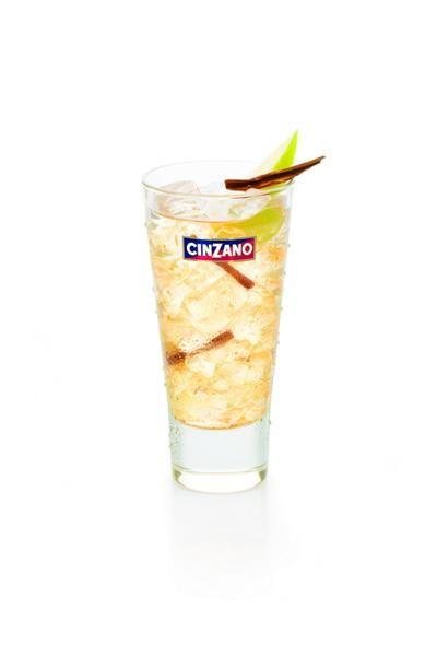 Martini Bianco z sokiem jabłkowym i cynamonem