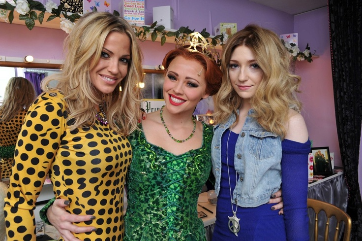 Nicola Roberts and Sarah Harding join Kimberley Walsh for her final Shrek performance.   These are some FIERCE BROADS, y'all! ♥