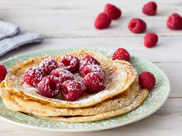 Joghurt-Pfannkuchen mit Himbeeren