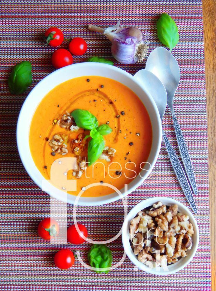 Cícerovo-paradajková polievka