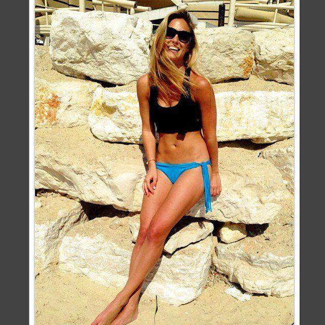 Pin for Later: Bar Refaeli adore poser en maillot de bain et on la comprend !!!  Bar trop belle en mai 2014. Source: Instagram user barrefaeli