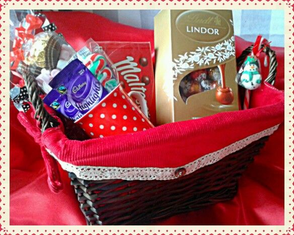 #Chocolate & #sweet #Hampers ~ made to order #sweetngroovystuff #gift #birthday #red #present #christmas #lindt #lindor #mug #candy #cane #malteasers #manchester #present #treat www.facebook.com/sweetngroovystuff