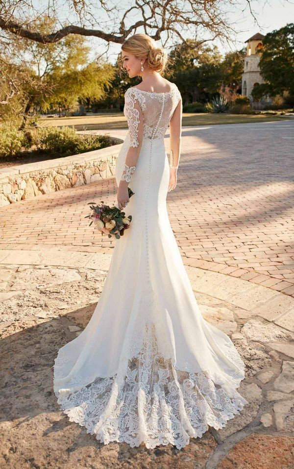 Hollywood wedding dress with lace train by Essense of Australia D2124 / http://www.himisspuff.com/wedding-dresses-2017-from-essense-of-australia/6/