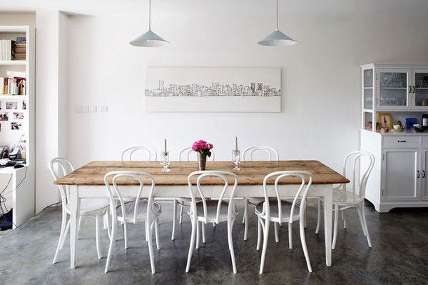 Love these Bentwood chairs in White!