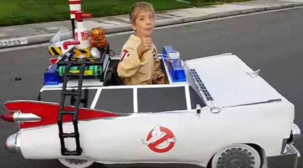 Dad Builds Ghostbusters Car Costume Around His Son's Wheelchair And Wins Halloween
