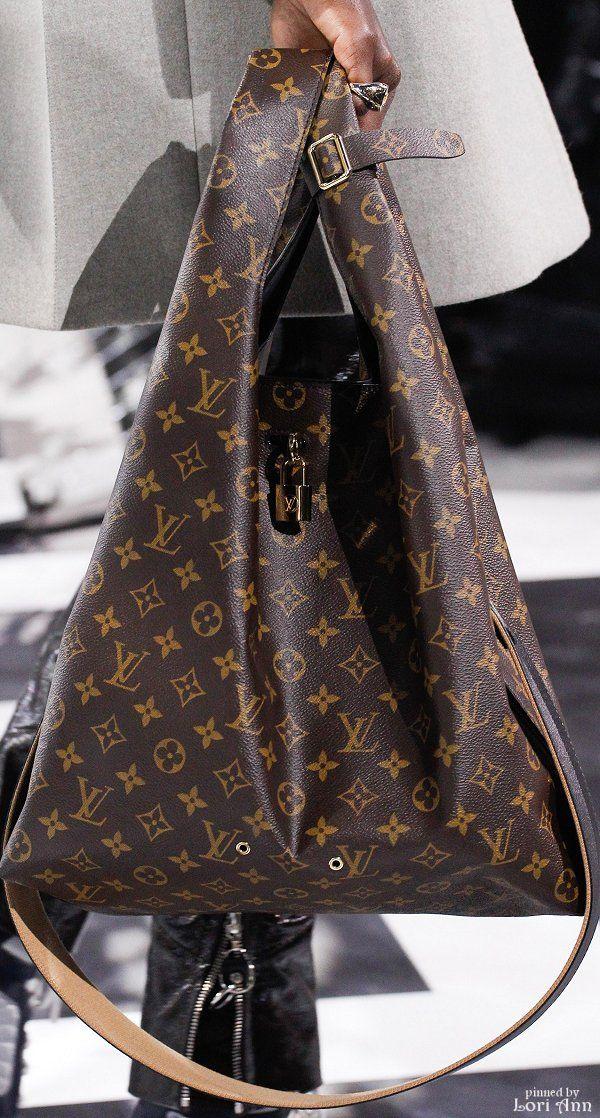 Louis Vuitton Fall 2016 RTW #Luxurydotcom