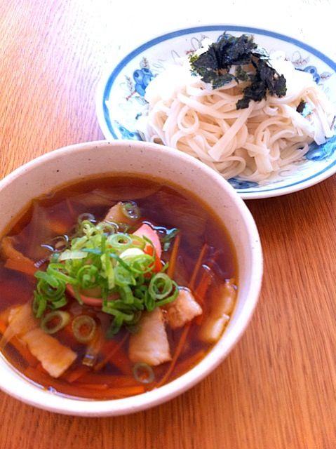 豚肉を入れる事でコクを出してます。胡麻油の香りで食欲倍増‼ - 1件のもぐもぐ - 稲庭うどん  肉汁つけ麺 by mayutaku