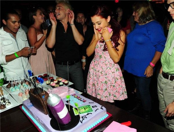 Ariana Grande Birthday Cake | victorious s ariana grande was born june 26 th 1993 she celebrated her ...