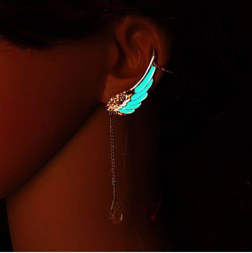 Flügel-Ohrringe: Das Ohr Manschette, das im Dunkeln leuchtet! Sehr einzigartig und so attraktiv. Sie müssen durchbohrt, Ohrläppchen, es zu tragen haben. Es ist sehr einfach, es zu tragen und passt sehr gut für jede kleine mittlere und große Ohr. Wir verwenden die höchste Qualität Glühen