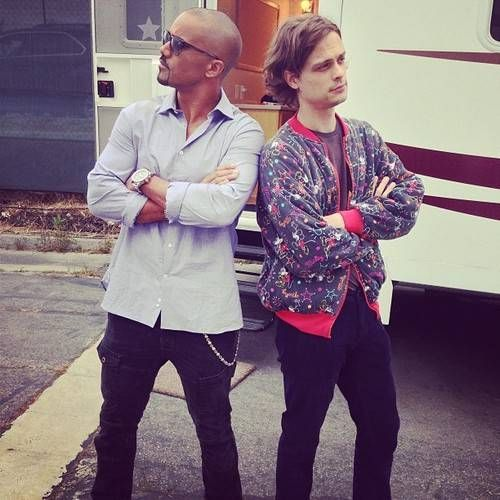 Matthew Gray Gubler On Set Criminal Minds} if you put these two guys together wow what a stud