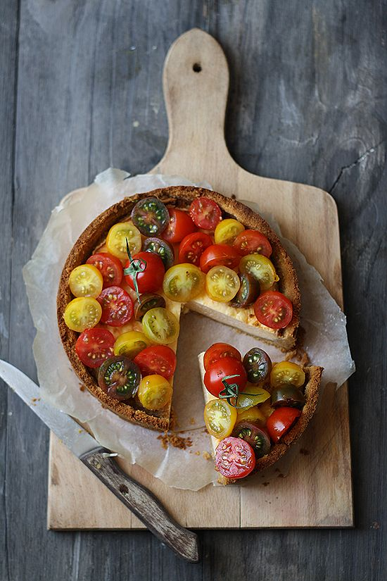 Savory Cheesecake with Tomatoes, recipe in Spanish.