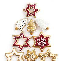 Испанские и итальянские пекари уже готовят праздничные печенья и кексы, английские кондитеры замариновали сухофрукты для Christmas pudding, а французские определились с новым дизайном рождественских поленьев и тортов. О сладких традициях Европы рассказывает Анна Море.