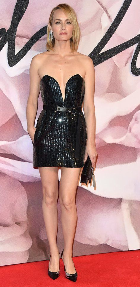 Amber Valletta in Saint Laurent attends The Fashion Awards 2016. #bestdressed