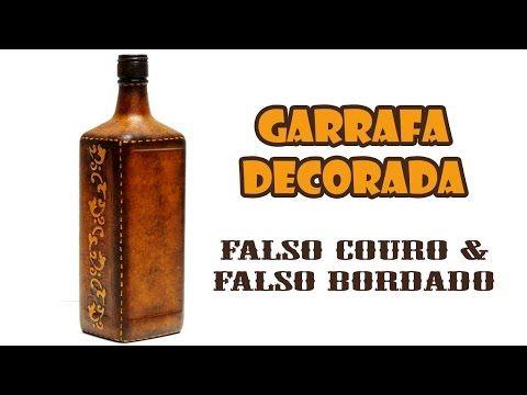 Garrafa Decorada com Pintura Falso Couro e Falso Bordado ( ARTESANATO, D...