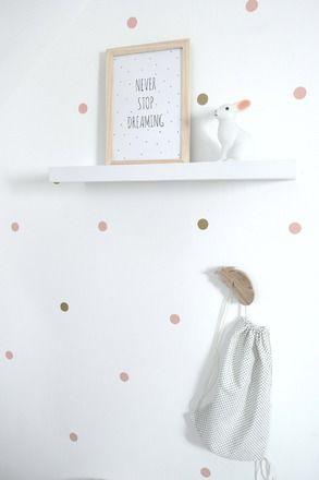 Stickers motif gros pois pour une décoration douce et poétique. Idéal dans une chambre de petite fille. Très bel effet sur un mur blanc. Les stickers peuvent également se p - 17668009