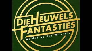 Die Heuwels Fantasties - Verwag My Terug ( Ft. Ryan Benade), via YouTube.