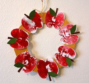 apple print wreath craft Back to school craft, grades k,1,2