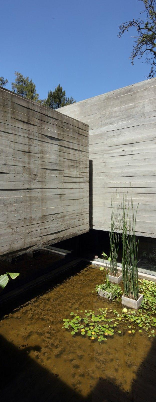 Besonías Almeida House. Location: Villa Udaondo, Ituzaingó, Buenos Aires, Argentina;     firm: BAK Arquitectos; year: 2010