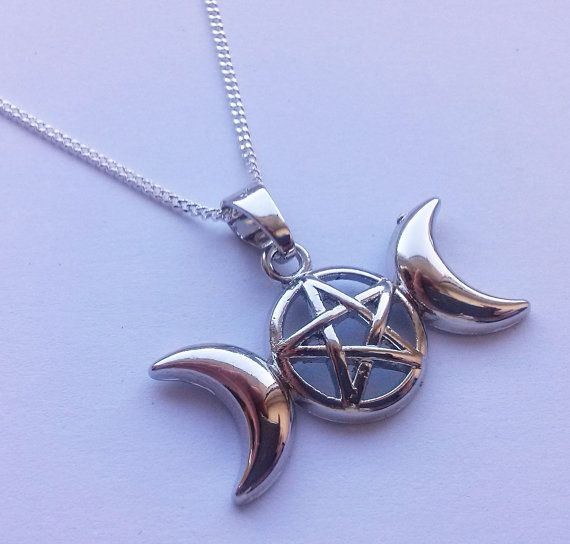 Drievoudige godin Pentagram ketting drievoudige door AzureAllure