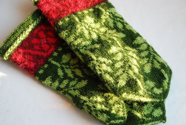 These red and green mittens make my heart beat faster.