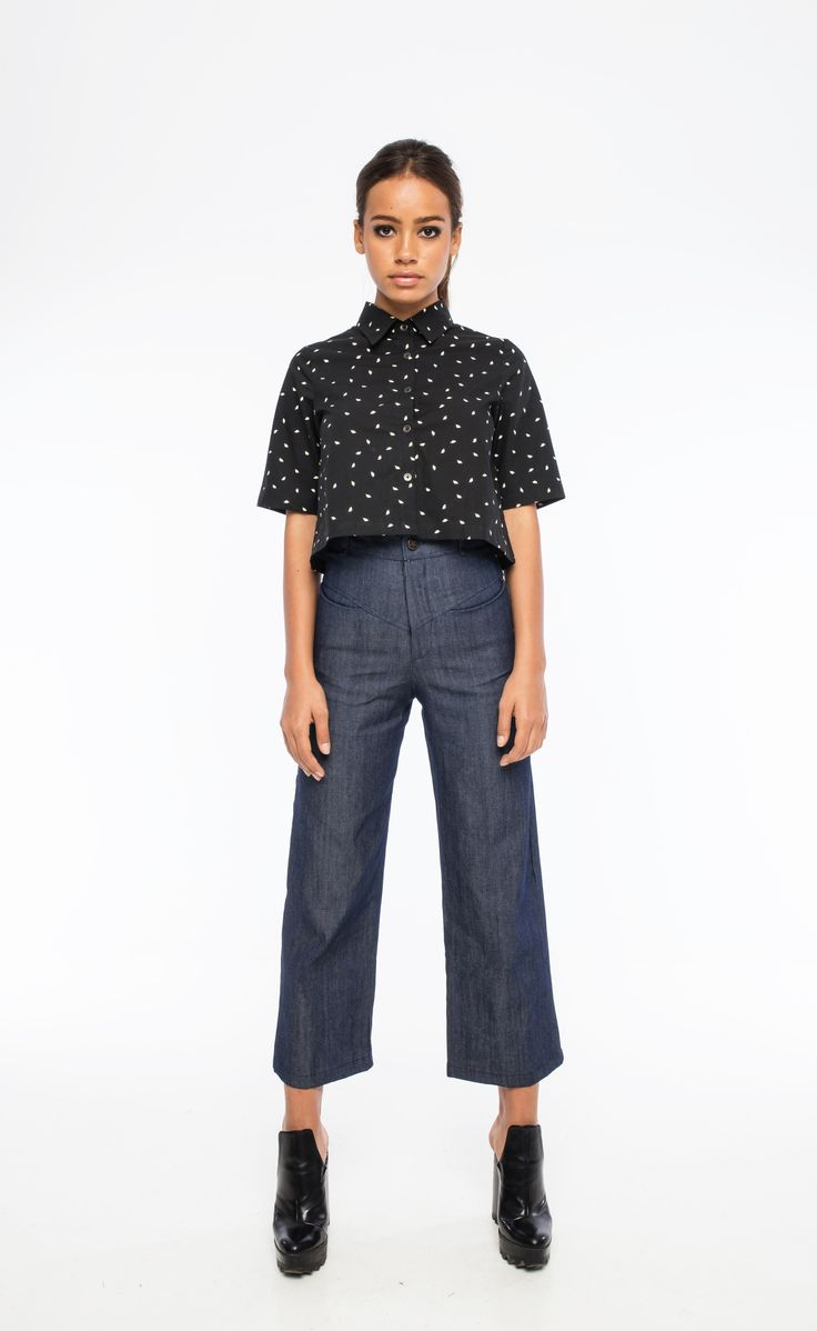 Sara Bailes - Wide Leg Jeans and Cropped Cotton Print Shirt