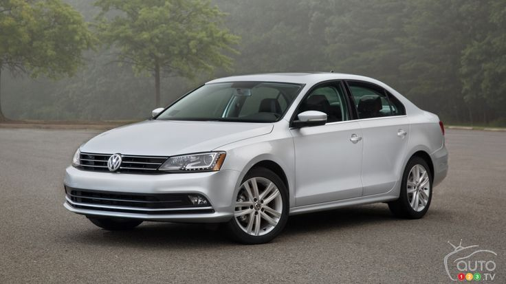 2015 Volkswagen Jetta Highline TDI Review │ I don't need to remind you that good fuel economy is a positive thing. Heck, every time you or I go to the pumps, we wonder why we don't simply become hermits. The answer is easy: We like driving too much. And there we are. #Volkswagen #Jetta